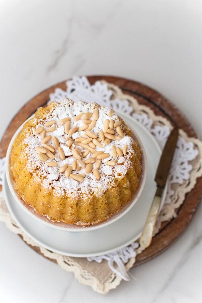 Cake integrale al limoncello e pinoli