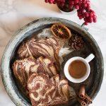 Brioche [all'olio] con cacao, arancia e cannella