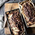 Cake al cacao, mele e mandorle