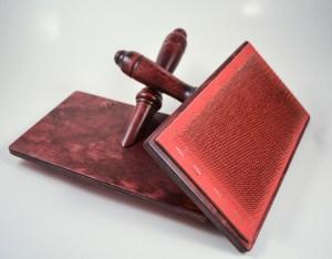 Mahogany Kromski Hand Cards