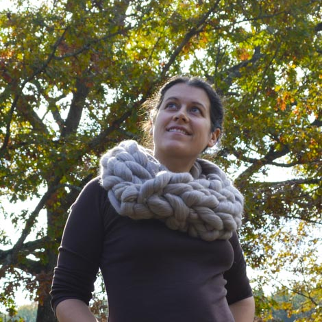 arm-knit-cowl-2