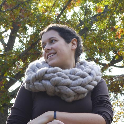 Arm knit cowl from roving