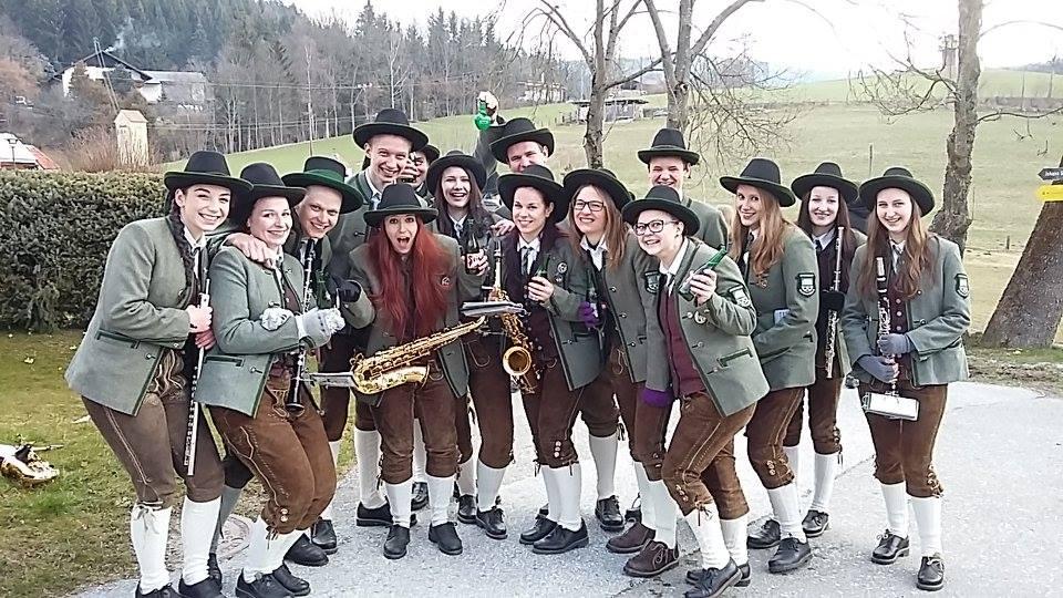 Die fröhlichen Leute vom Musikverein Miesenbach