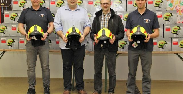 Neue Helme für die FF Miesenbach