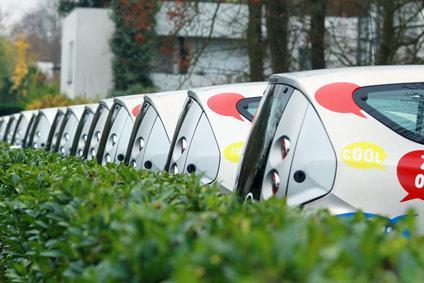 autolib 39 carsharing startet testphase in lyon mietwagen. Black Bedroom Furniture Sets. Home Design Ideas