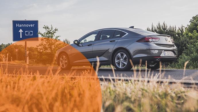 Der Preis-Leistungs-Sieger für Mietwagen: Die Kategorie IDMR mit dem Opel Insignia. Mehr Premium als Basis-1er und so gut wie der Passat