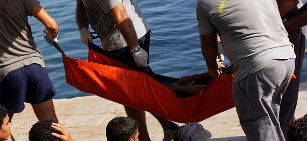 Bergung von Flüchtlingen in Lampedusa © Noborder Network @ flickr.com (CC 2.0), bearb. MiG