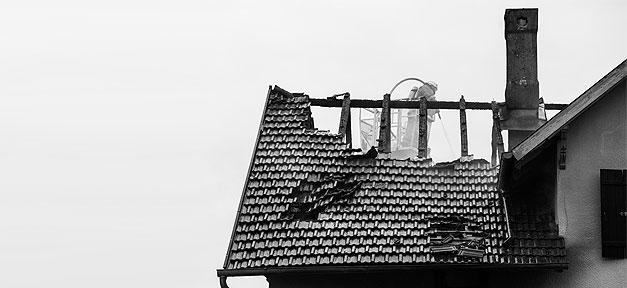 Das abgebrannte Haus sollte eine Flüchtlingsunterkunft werden © Martin Gommel