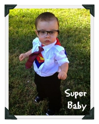 #3 of 23 DIY Baby Costumes You Can Make for Under $5 - http://incredibleinfant.com/family/diy-baby-costumes
