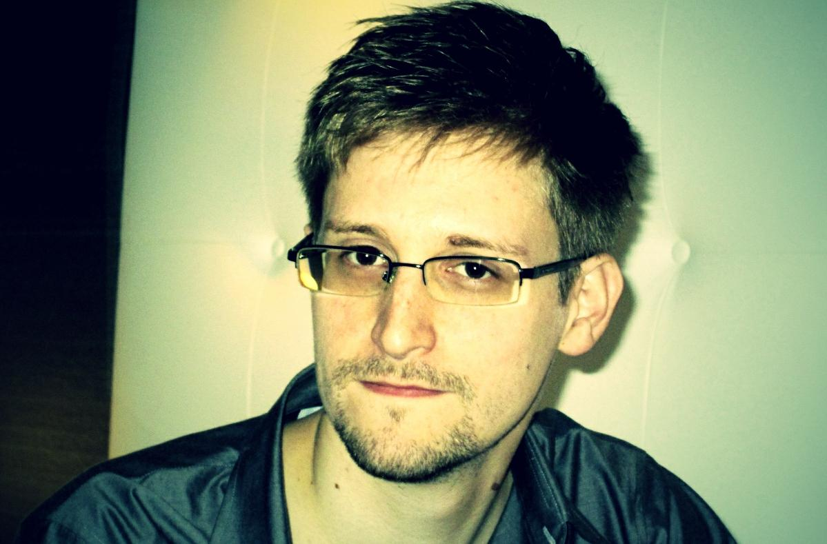 https://i1.wp.com/www.migliorblog.it/wp-content/uploads/2014/01/Edward-Snowden-pose.jpg