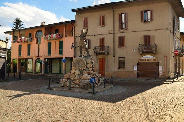 Statua di Giuseppe Garibaldi, furto della spada