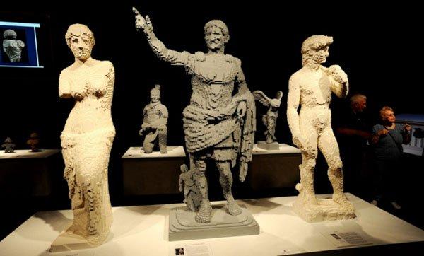 sculture lego nathan sawaya