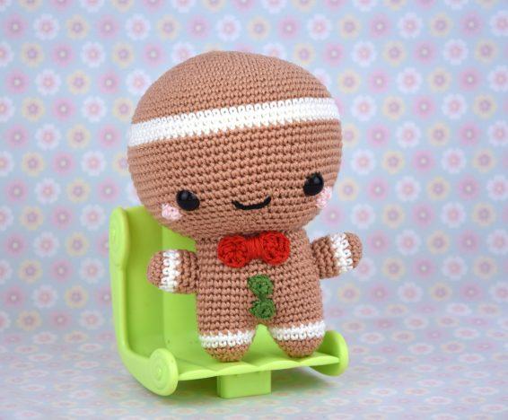 Bonhomme de Pain d'épices au crochet - décoration de noel - amigurumi noel - StorylandAmis - Hiver - Monsieur biscuit - Fait en France 8