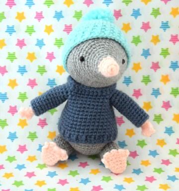 taupe crochet 2 1200
