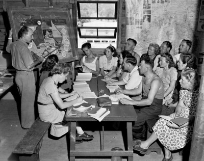 English lessons at Bathurst Migrant Camp 1951. Courtesy National Archives of Australia