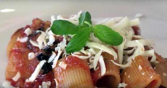 Pasta a la Norma (Cocina Italiana - Sicilia)