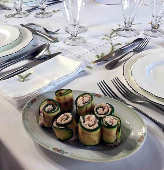 Rottolini di zucchine con spuma al prosciutto