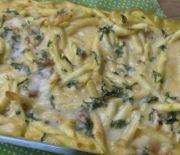 Pasta al horno con crema de calabaza y salchicha