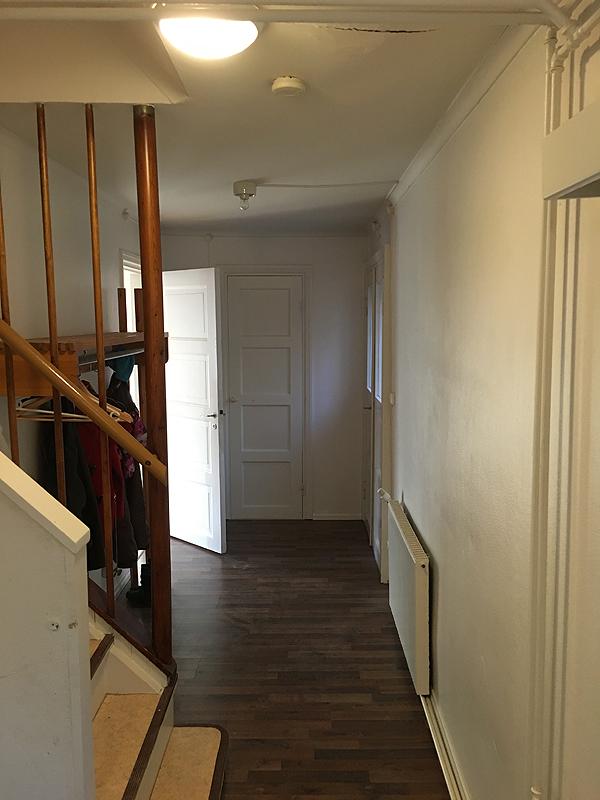 Tässä kuva sitten vessan ovelta toiseen suuntaan.