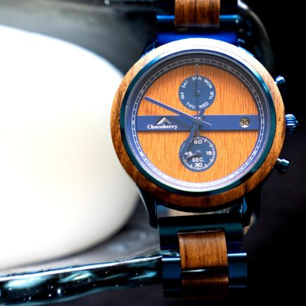 A unique combination of Zebrawood and blue stainless steel represents the Chocoberry Classic Timepiece, it has gone through a great deal of skill and courage to reach this point.