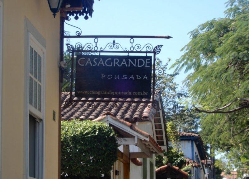 Foto van het uithangbord van Pousada Casa Grande in Pirenópolis in Brazilië