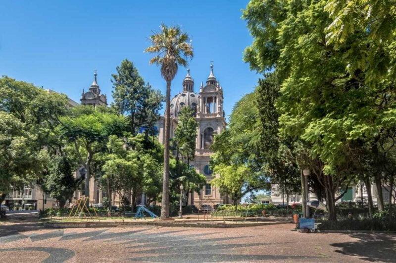 Marechal Deodoro plein en Porto Alegre Metropolitan Cathedral