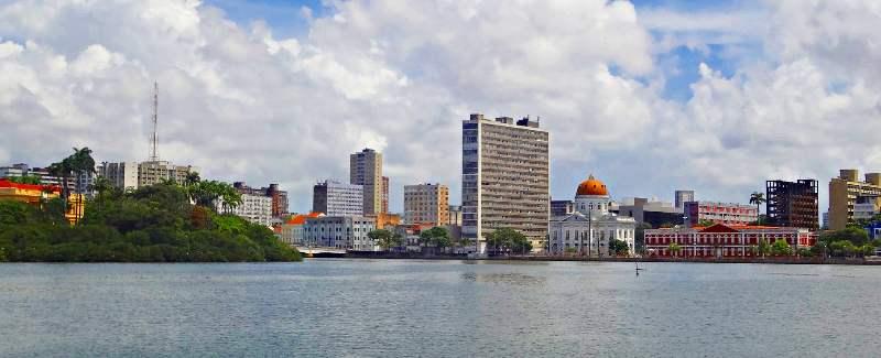 Foto van de stad Recife vanaf het water