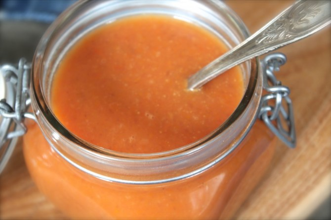 Pastinaaksoep met tomaat