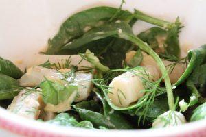 Salade van schorseneer en spinazie