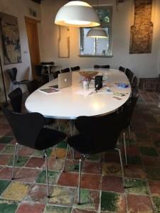 Foto praktijkruimte: 'Filosoferen aan de keukentafel'