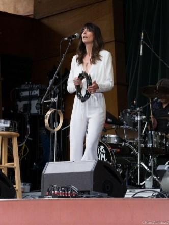Nicki Bluhm at Lyons