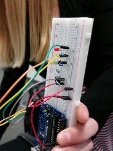 Arduino Traffic Light - Example shared by Twitter