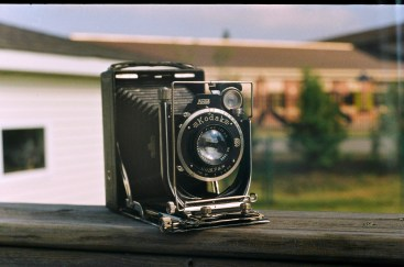 Somehow, I was able to nail the focus on the front lens standard of this Kodak Recomar.