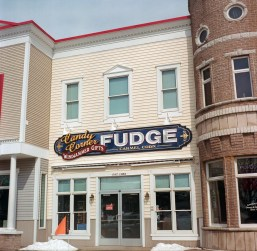 One of the many Fudge stores in the downtown area of Mackinaw City.
