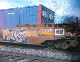 Notice the text on the train car is easily readable, even without zooming into the image.