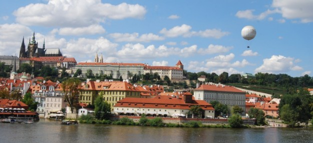 Vltava River, Charles Bridge, Castle and St Vitus' Cathedral, Prague, Czech Republic