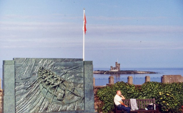 Douglas, Isle of Man:  (foreground left) – Sir William Hillary memorial;  (background right) – Tower of Refuge