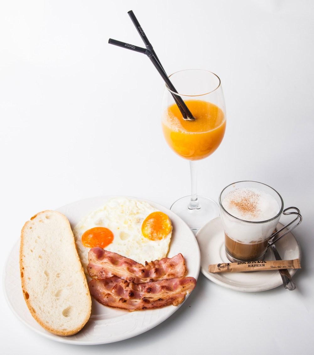 Desayuno internacional