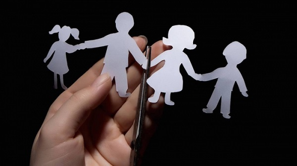family-child-divorce[1]