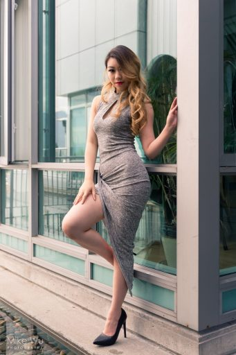 grey dress, outside, reflection, glass, teal, wavy hair, asian, vancouver, heels, window, blond, vancouver, photoshoot, makeup, hair