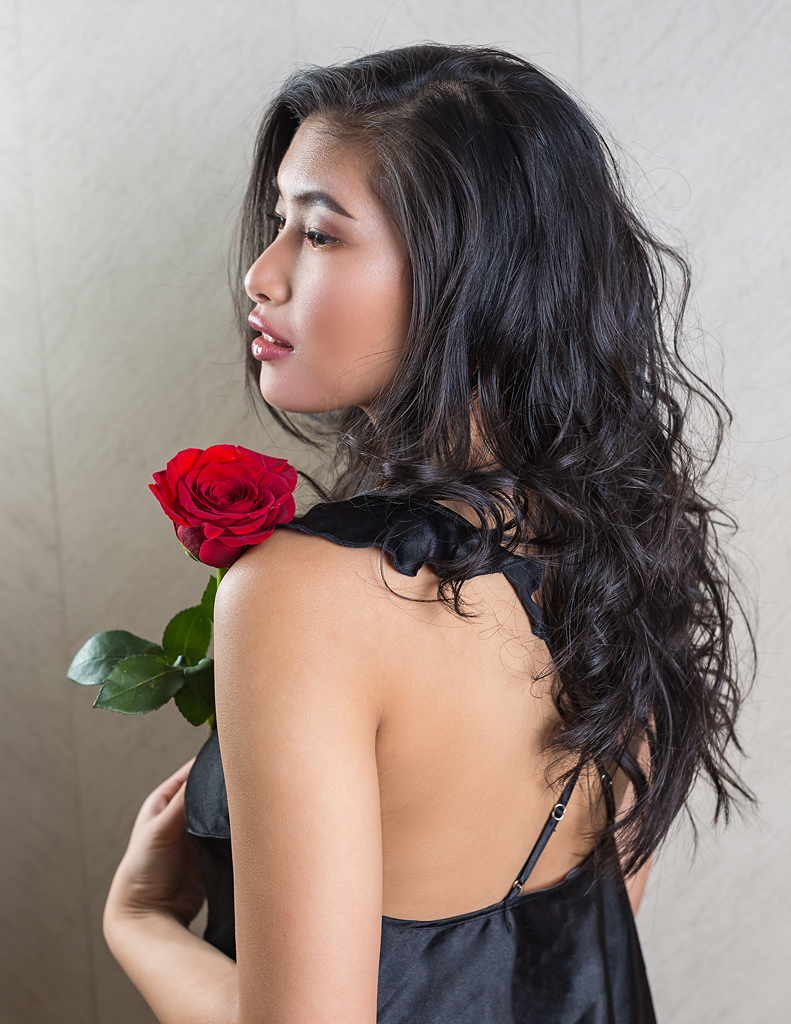valentine's, vancouver, indoors, boudoir, fashion, slip, red rose, black lingerie, wavy hair, beauty, female, sexy, back