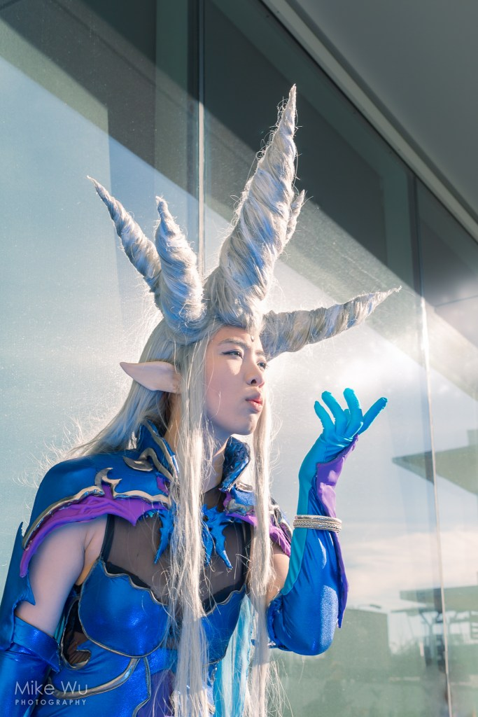 cosplay, shiva, goddess, final fantasy, game, magic, mp, summon, ice elemental, frost, cold, frozen, breath, blow, spell
