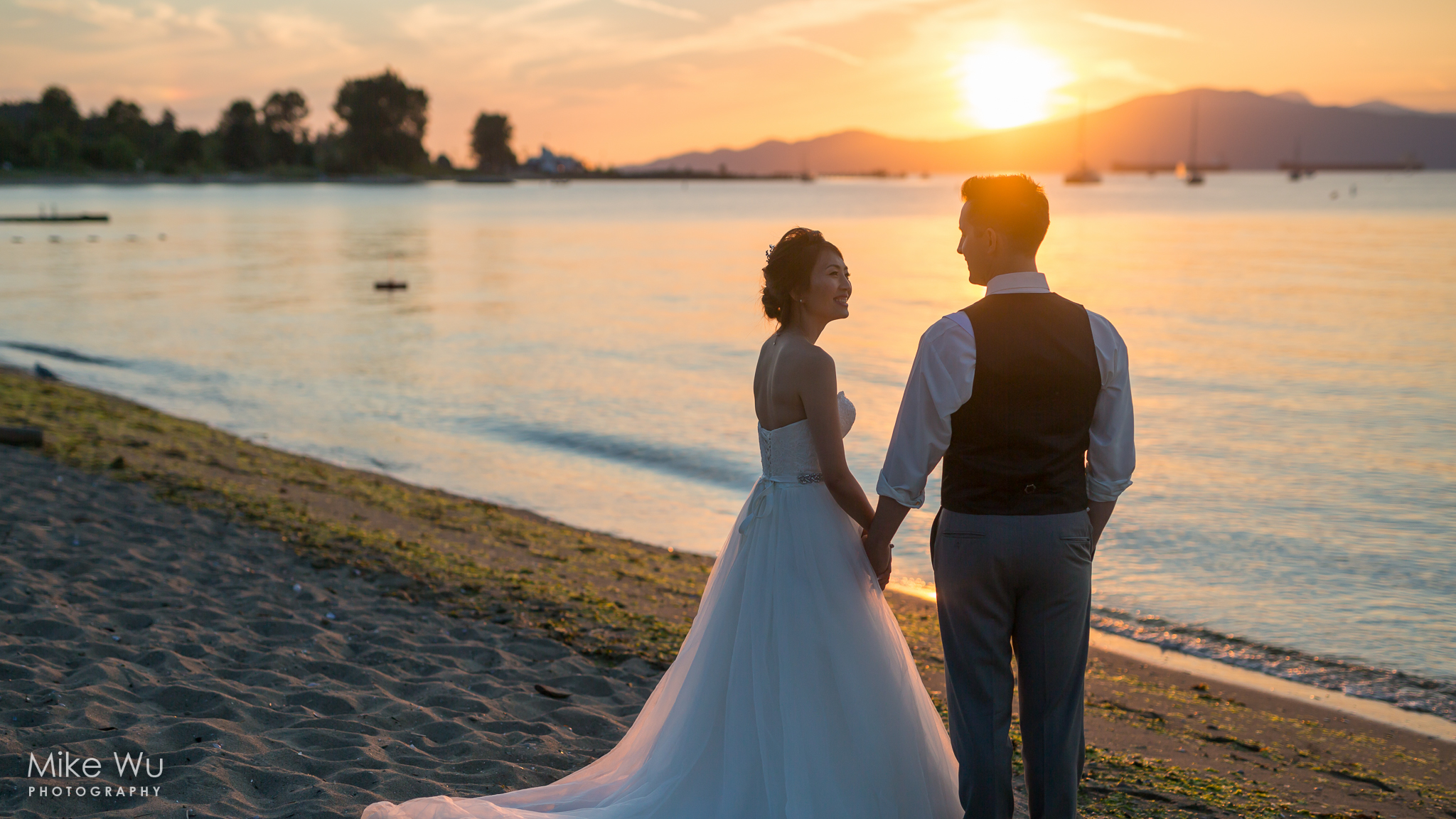 Vancouver, Wedding, sunset, Brock House, beach, sand, water, sun, golden hour, waves, love, smile, bride, groom, warm, summer