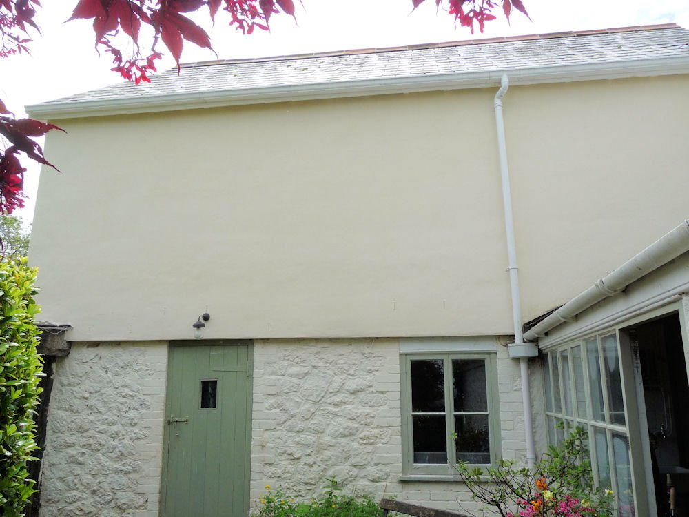 SecilVit Finishing Render is applied and then Secil Silicate mineral paint painted on after being left a month to cure.