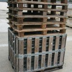 Please note that 7 is the maximum stack of collapsible cartes that can be stacked and this image shows the safest way to stack them before securing for return to Mike Wye & Associates Ltd via a palletised system.