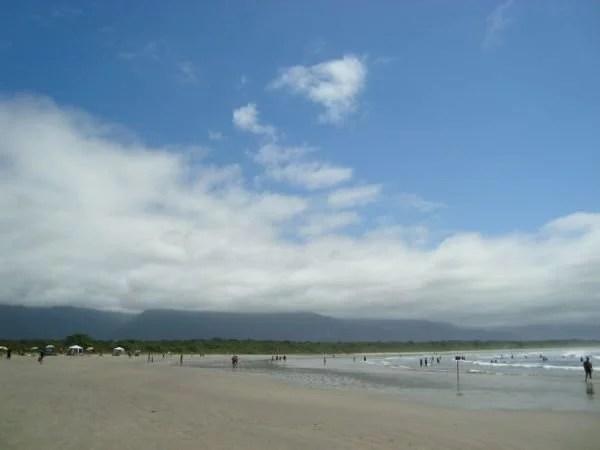 Praia de Itaguaré, SP. Por mikix.com