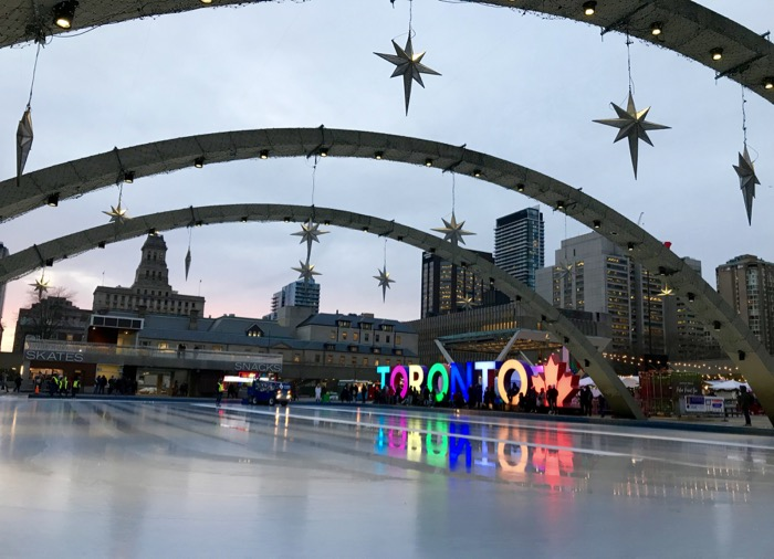 Nathan Phillip Square em Toronto
