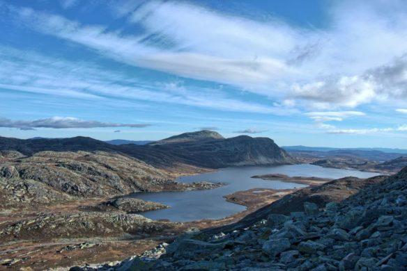 Jezioro Heddersvatn u podnóża Gaustatoppen
