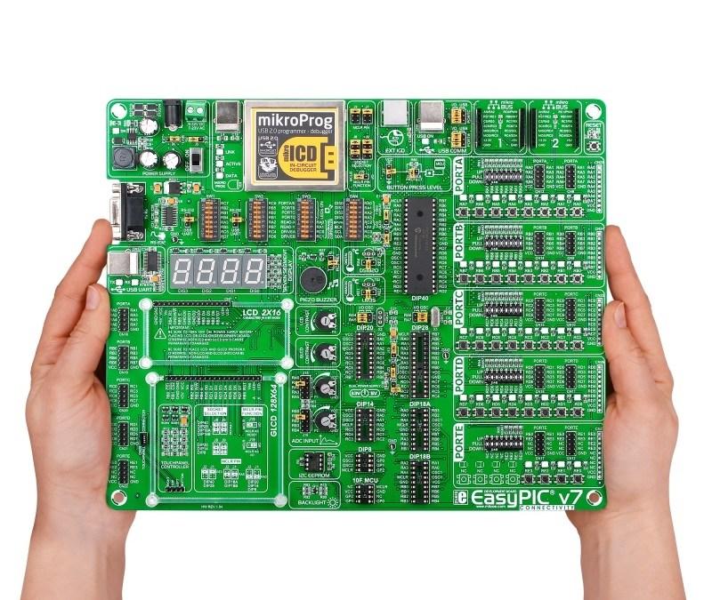 Tarjeta EasyPIC v7 de MikroElektronika