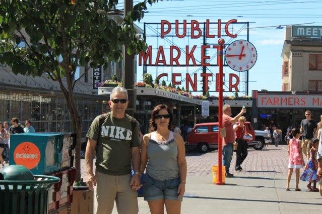 Pike Place Market em Seattle - Pike Street com 1st Avenue